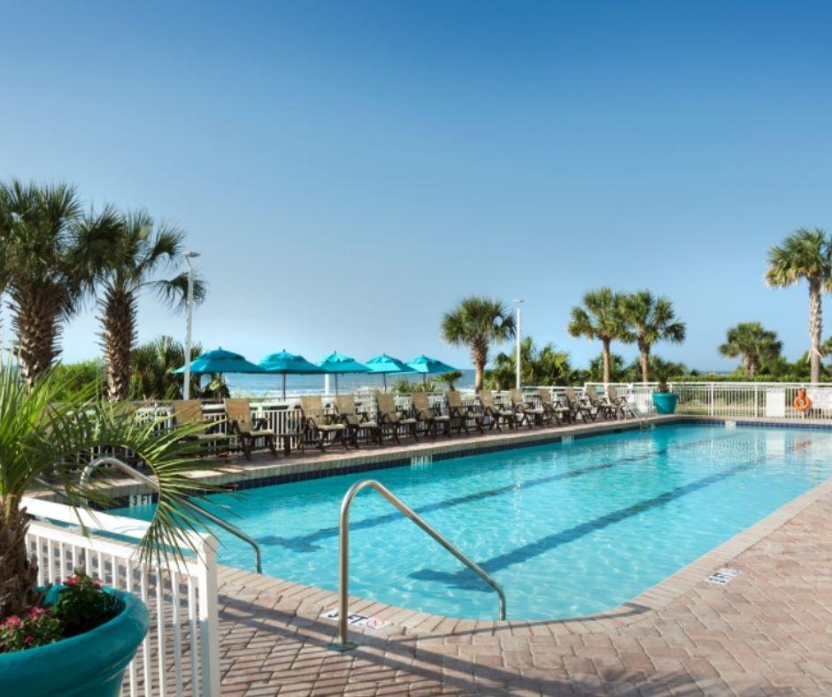 Paradise Resort Outdoor Pool